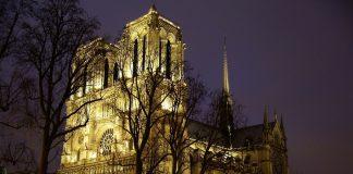 Rekonstruksi Notre Dame picture